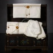 Λαδόπανο Βάπτισης Εκρού με Διπλό φιογκάκι και Ξύλινο Κουμπάκι