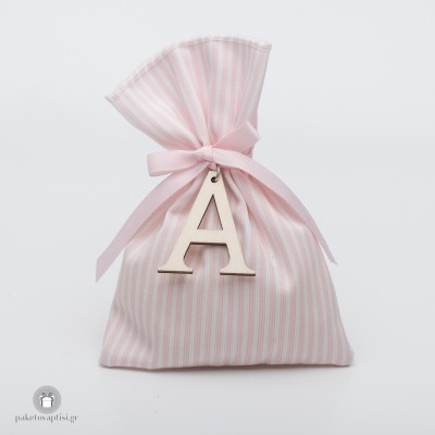 Personalized Μπομπονιέρα Βάπτισης Ριγέ Βαμβακερό Λευκό Ροζ Πουγκί με Ξύλινο Μονόγραμμα