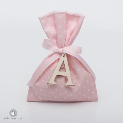 Personalized Μπομπονιέρα Βάπτισης Πουά Βαμβακερό Λευκό Ροζ Πουγκί με Ξύλινο Μονόγραμμα