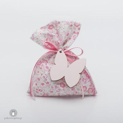 Μπομπονιέρα Βάπτισης Βαμβακερό Εμπριμέ Πουγκί με Ξύλινη Ροζ Πεταλούδα