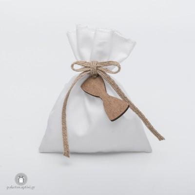 Μπομπονιέρα Βάπτισης Βαμβακερό Λευκό Πουγκί με Ξύλινο Παπιγιόν