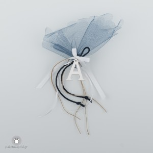 Personalized Μπομπονιέρα Βάπτισης Κρεμαστή με Μπλε Κορδόνι και Ξύλινο Λευκό Μονόγραμμα