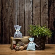 Mπομπονιέρα Βάπτισης Βαμβακερό Πουγκί με Ξύλινο Παπιγιόν